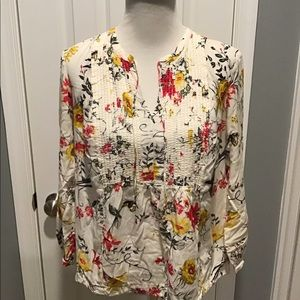 Old Navy Tops - Old Navy Cream Top W/ Bird and Floral Print
